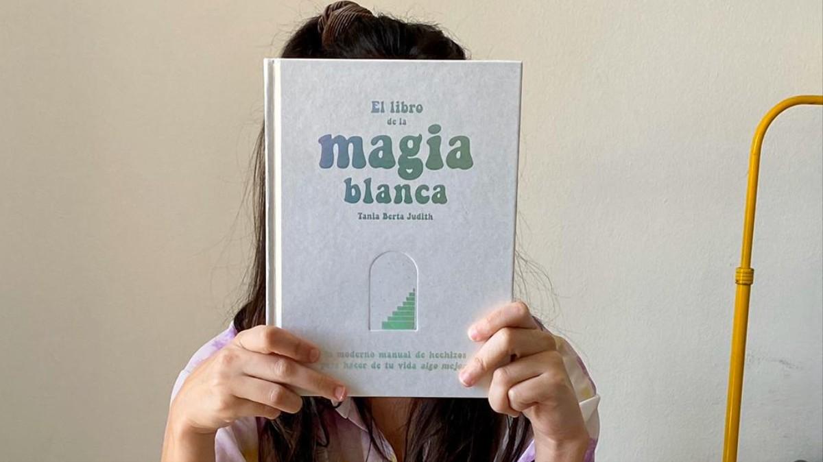 Intenté Varios Hechizos De Magia Blanca Para Mejorar Mi Vida Y Salió Regular