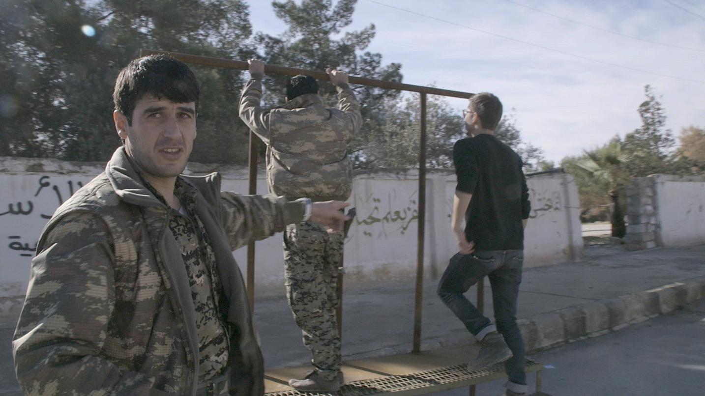 Solche Fotos entstehen, wenn ein Promi-Fotograf im irakischen Kriegsgebiet unterwegs ist - VICE