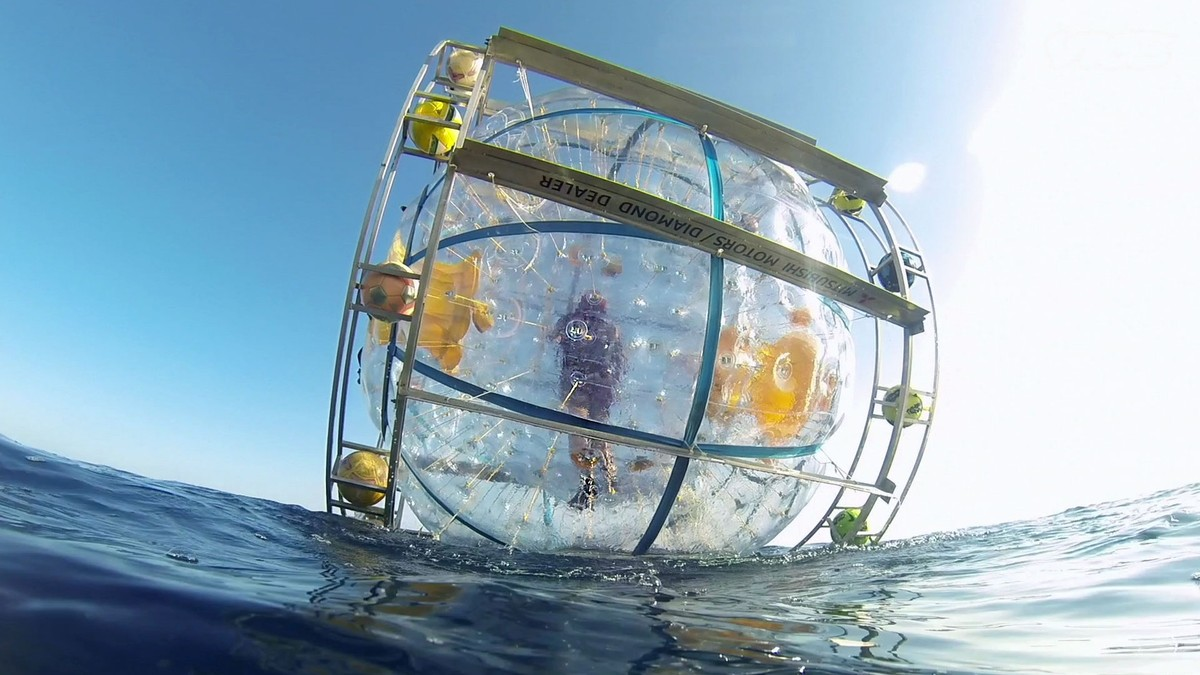 Florida Man Tries Running to Bermuda in a Bubble